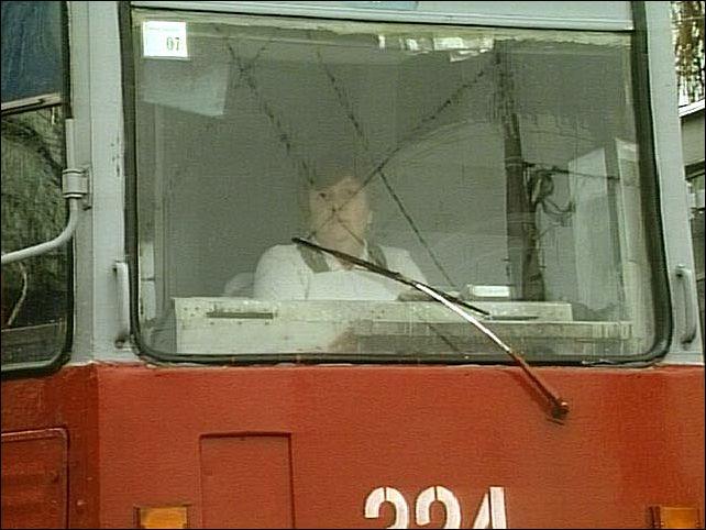 Это связано с проведением капремонта трамвайных путей на...  18.07.2011. Меняется схема движения трех трамваев.