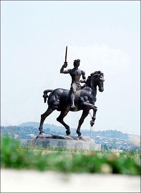 Кутаиси - Мемориал славы в честь погибших воинов в Великой Отечественной войне - фото