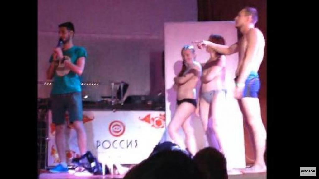 видео стрепцис девушек в клубе до гола