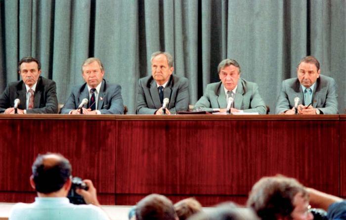 Попытке военного перелома ГКЧП вСССР исполнилось 25 лет