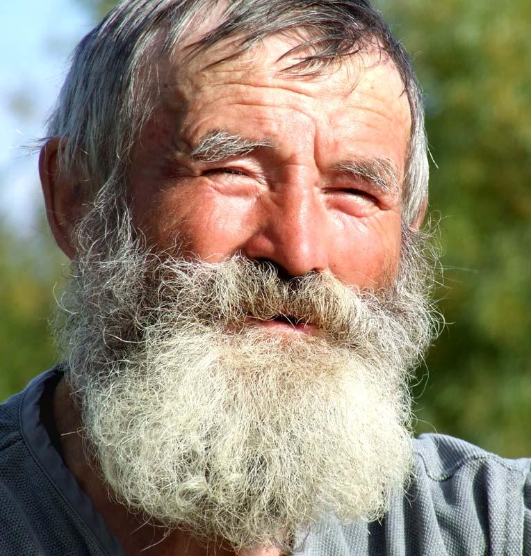 Сергей Горянин и речка...(прочитайте вы будете удивлены Дед победил стихию наводнений.своими...