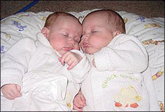 В курских семьях в этом году родились 190 двойняшек