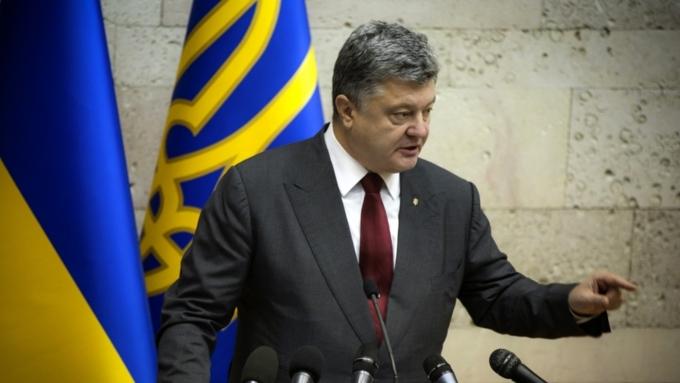 Порошенко призвал ужесточить санкции против России