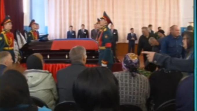 Тело погибшего около Пальмиры офицера спецназа отправили вОренбург