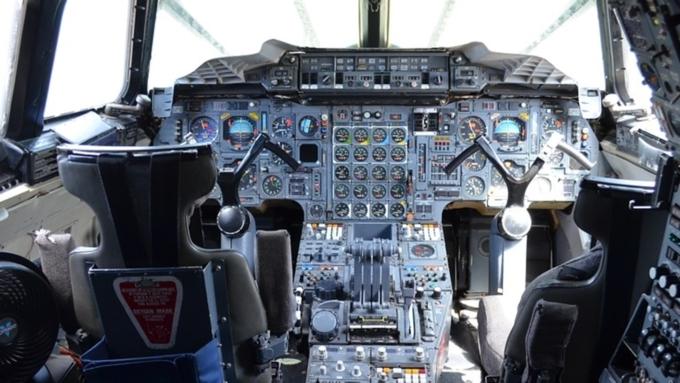 Диспетчеры пару часов немогли связаться соспящими пилотами пассажирского Boeing