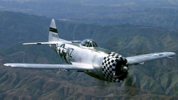 Самолет времен Второй мировой войны упал в Гудзон близ Манхэттена