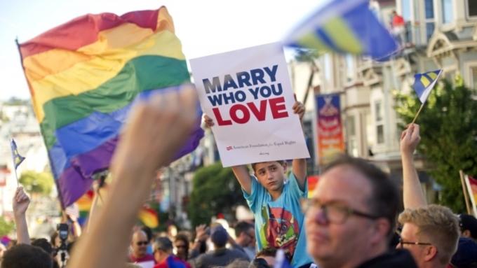 Откровенные ласки геев фото 608-207