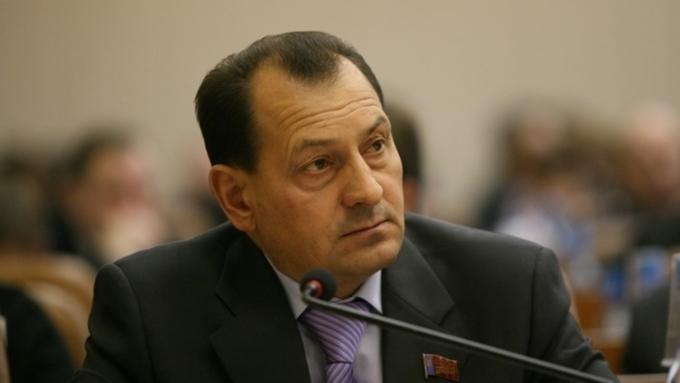 Депутату АКЗС Юрию Титову запретили выезжать зарубеж