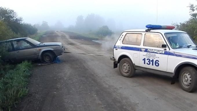 ВАлтайском крае пьяные угонщики попросили полицию вытянуть угнанное авто изкювета