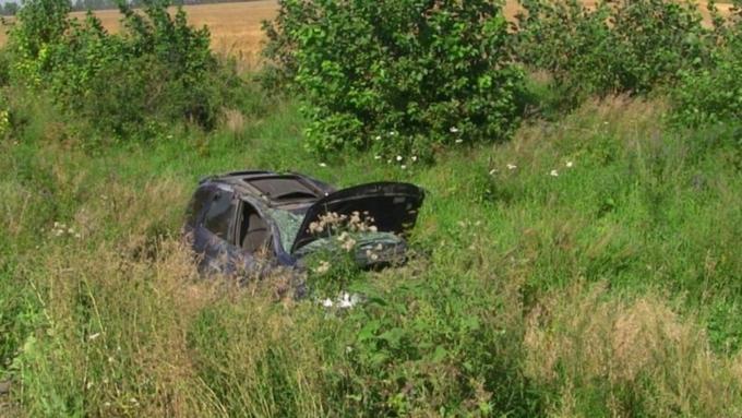 Молодой шофёр умер вперевернувшейся машине натрассе вАлтайском крае