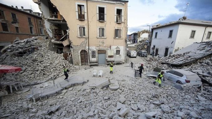Число жертв вземлетрясении вцентре Италии достигло 267 человек