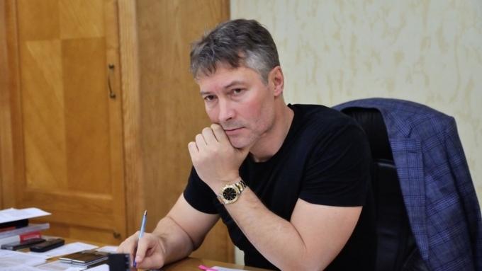 Мэр Екатеринбурга предложил патриарху поручиться заарестованного блогера