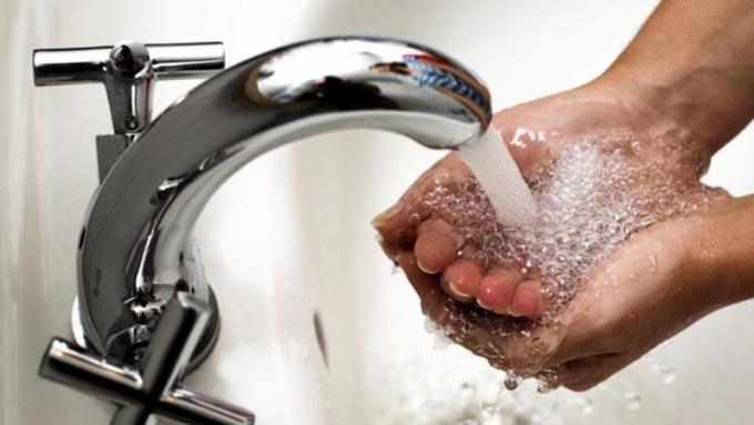 Мытье рук может принести больше вреда, чем пользы— Ученые