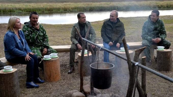 Владимир Путин пообещал решить проблему срасчисткой рек вНовгородской области
