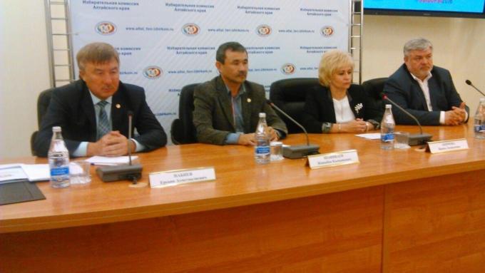 Наблюдатели отСНГ неувидели нарушений навыборах вАлтайском крае