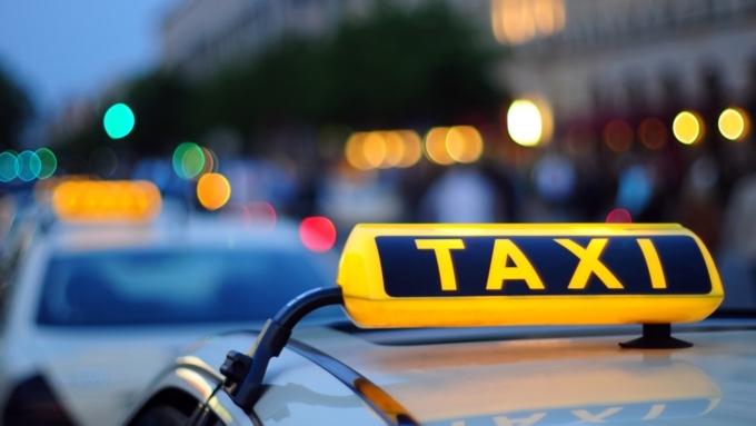Автомобиль угнали уженщины-таксиста вБарнауле