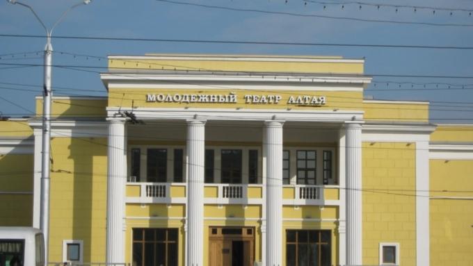 ВБарнауле начался театральный фестиваль имени Золотухина