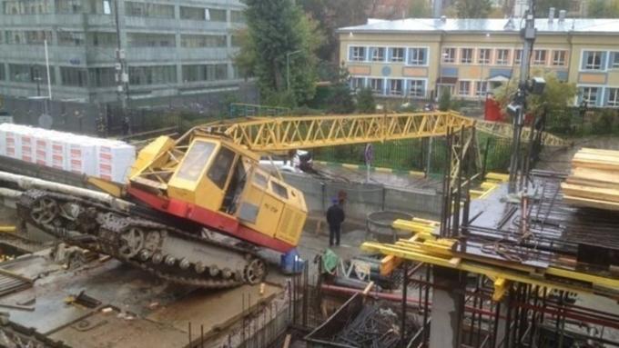В столицеРФ натерриторию детского сада упал башенный кран