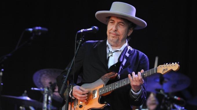 Боб Дилан получил Нобелевскую премию по литературе за 2016 год