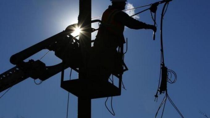 В 7-ми районах Алтайского края 7000 человек остались без света