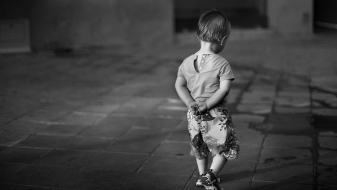 СУСК начал проверку пофакту самостоятельного ухода издетсада двухлетнего ребёнка