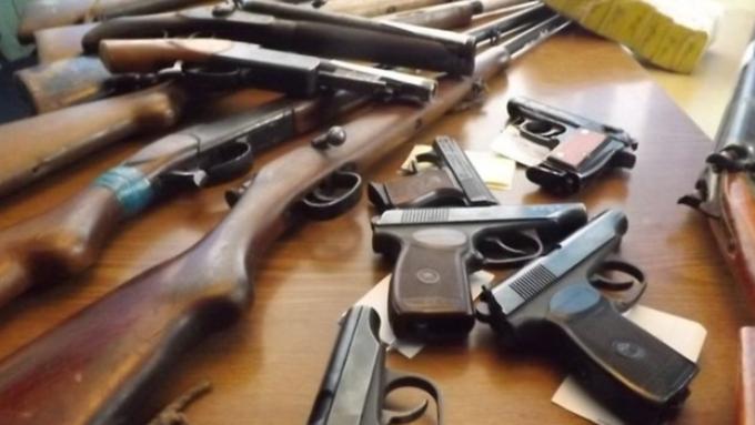 Граждане Николаевщины замесяц сдали вполицию 207 единиц незарегистрированного оружия