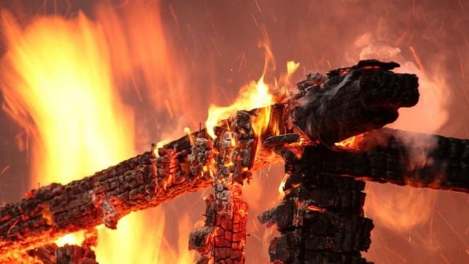 Жертвами пожара вжилом доме вНовосибирской области стали 4 человека