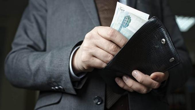 Руководство РФ: Информация обувеличении зарплат госслужащих несоответствует реальности