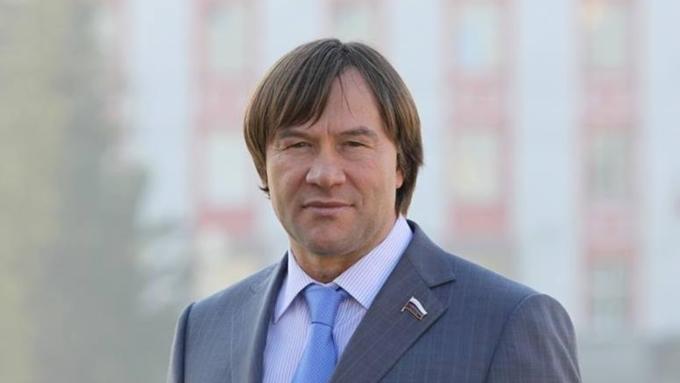 Неизвестные украли сейф с120 тыс. руб измосковского дома депутата Государственной думы