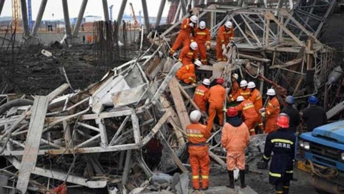 Под обломками станции повыробатыванию электричества в«Поднебесной» погибли 74 человека