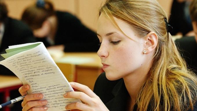Русские школьники написали выпускное сочинение без сбоев