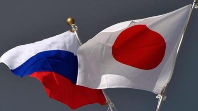 Япония хочет ослабить санкционные меры вотношении Российской Федерации