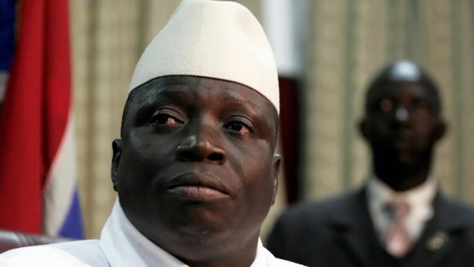 Действующий президент Гамбии непризнал поражение навыборах иотменил их