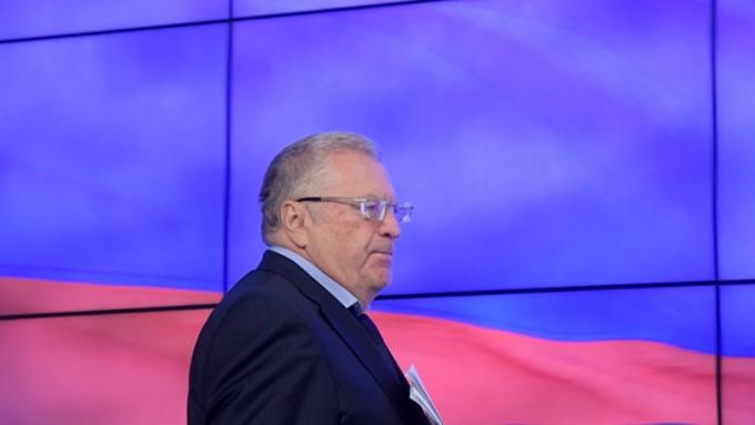 Жириновский предложил вернуть юлианский календарь идореволюционный гимн