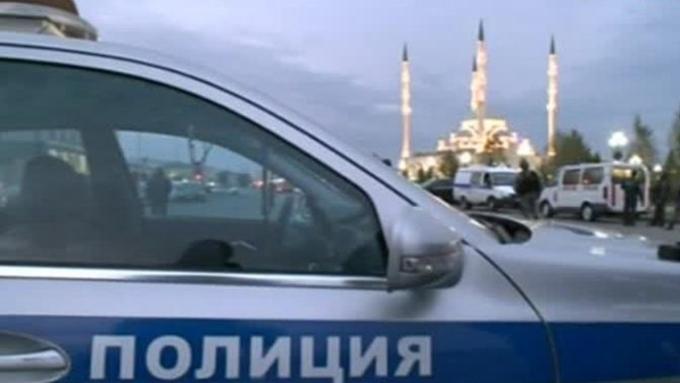 ВГрозном разыскивают троих подозреваемых, которым удалось исчезнуть после нападения наполицейских