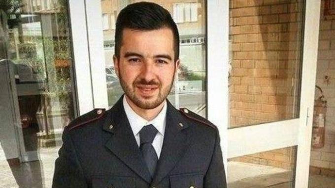 Полицейский, застреливший берлинского террориста, стал героем социальных сетей