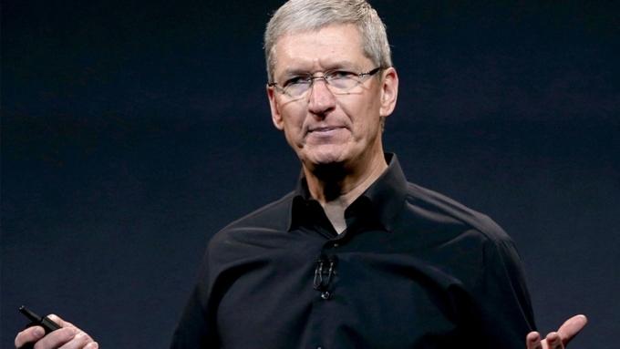 Apple урезала жалованье Тима Кука на15%
