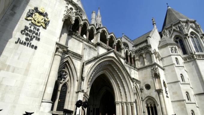 Британский суд приступает крассмотрению иска РФ подолгу времен Януковича