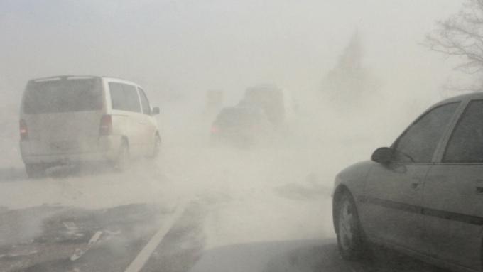 Метель прервала автомобильное сообщение натрассах Змеиногорска иРубцовска