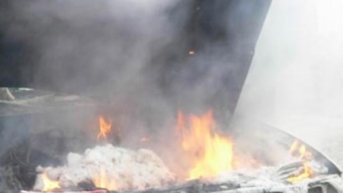 Детали пожара вбарнаульском трамвае— Вагон впламени