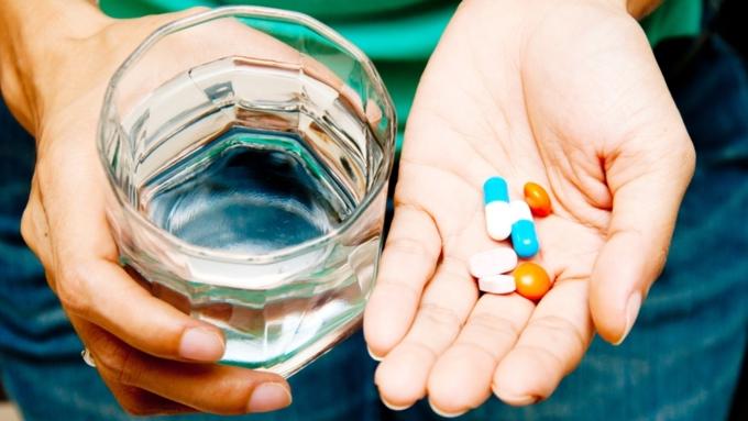 «Коммерсантъ» сообщил о росте числа жалоб пациентов с ВИЧ на нехватку препаратов