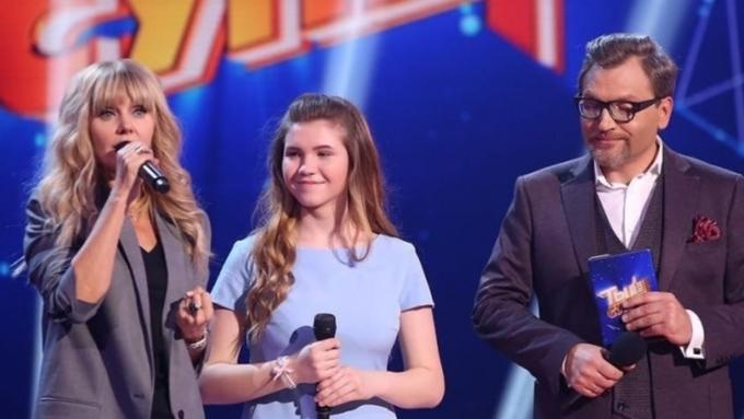 Эстрадную певицу Валерию довели дослез насъемках шоу «Ты— супер!»