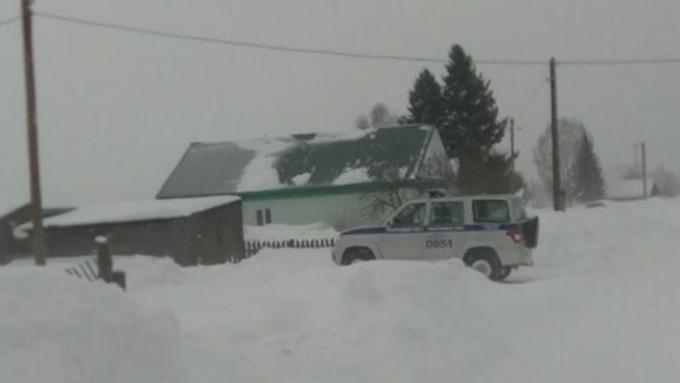 Мужчина вАлтайском крае похитил издома 2-х односельчан продукты исигареты