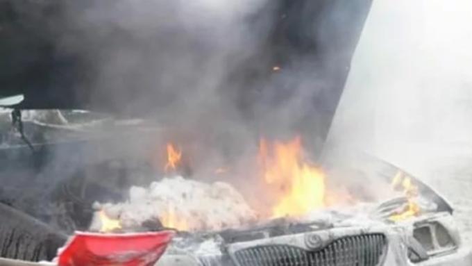 ВБарнауле 39 человек боролись с огнём в личном доме