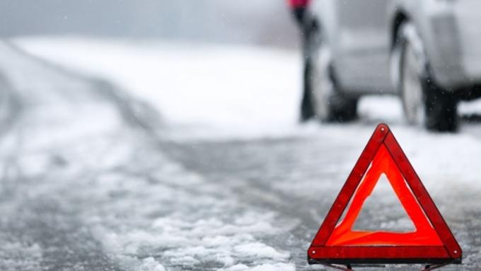 Автобус сбил 9-летних школьниц, перебегавших дорогу вБарнауле