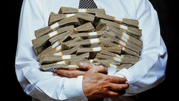 ВминтрудаРФ посоветовали согласовывать свице-премьерами повышение зарплат глав госкомпаний