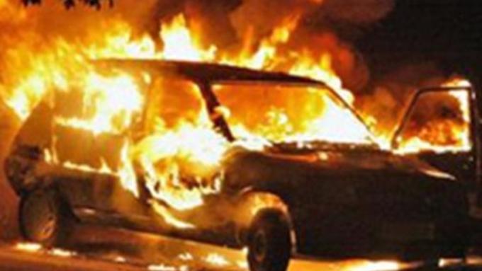 Десять авто сожжены впроцессе беспорядков вБатуми