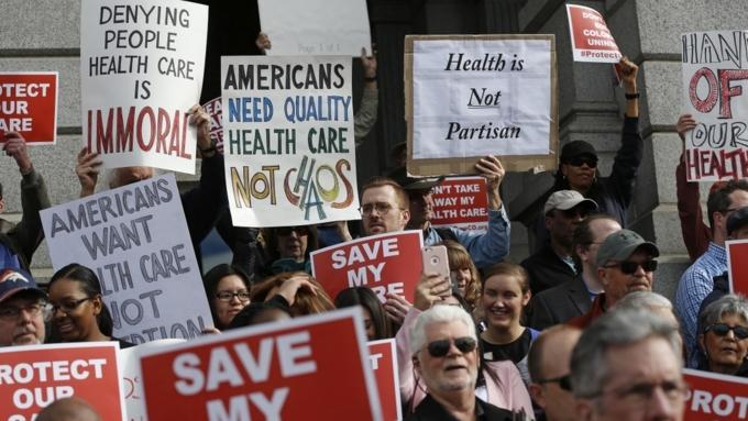 Около 24 млн американцев потеряют медицинскую страховку из-за замены Obamacare