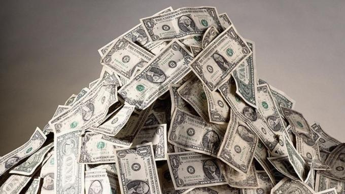 В минувшем 2016г число долларовых миллионеров в РФ возросло на10%