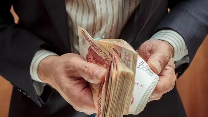 Заработной платы региональных чиновников в минувшем году увеличились на11,5%